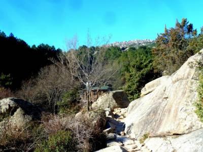 La Camorza-La Pedriza; escapadas cerca de madrid baratas viajes diciembre agencia viajes madrid